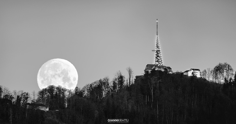 Uetliberg Moonset